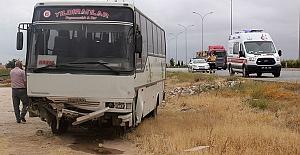 Karaman'da İşçi Servisi Devrildi: 16 Yaralı