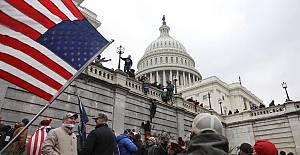 ABD'de Protestocular Kongre Binasını Bastı!