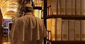 bYunus Emrenin Yeni Dîvânı Vatikan#039;dan.../b
