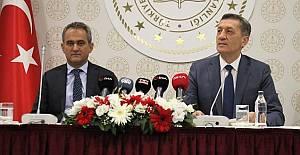 Yeni Milli Eğitim Bakanı Mahmut Özer Kimdir?